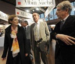 Olivier Bétourné (au centre), nouveau directeur général des éditions du Seuil.