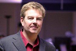 Bio express. Ancien rédacteur en chef d'Informatique Magazine, depuis 1993 Michel Ktitareff est le correspondant du journal Les Echos dans la Silicon Valley. Il est membre du réseau mondial des experts de l'Observatoire et du Forum Netexplorateur du Sénat.