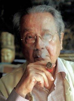 L'avocat anticolonialiste Jacques Vergès a obtenu la grâce de Djamila Bouhired en 1962 et l'a épousé.