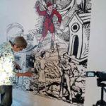 Le vidéo-projecteur projette le fichier informatique au format choisi par Philippe Lagautrière pour la réalisation d'une peinture murale ou sur toile.