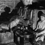 francaise_fumeuse_d_opium_vers_1920.jpg