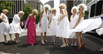 « Le concours de Cincinnatus permet depuis plusieurs années à toutes les Marilyn de laisser flotter leur robe en espérant gagner le premier prix » (p29).